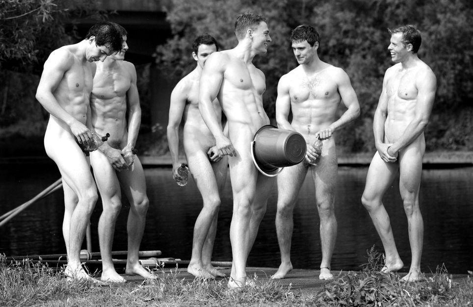 надо парни голыми дурачатся знаю, что хотел
