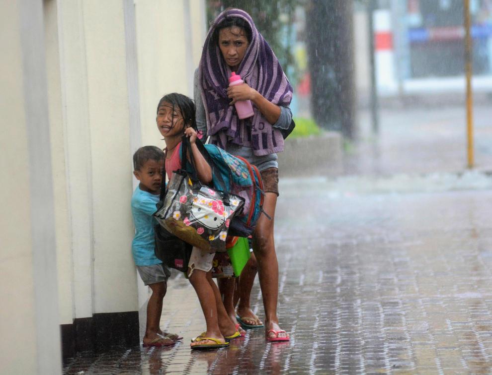 bp800000 Тайфун Хаян унес жизни более 10 тысяч человек