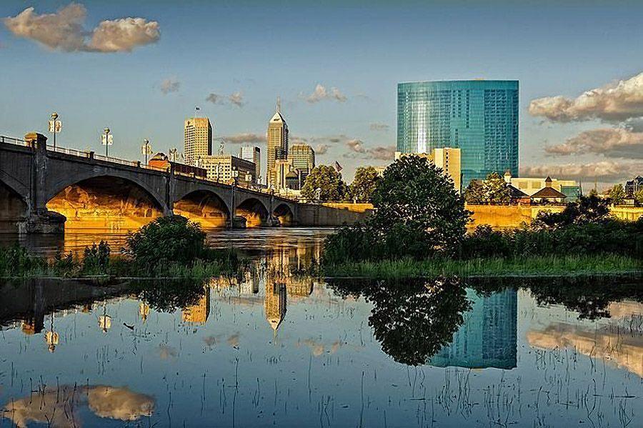mirrored04 Урбанистическое Зазеркалье: Отражения мегаполисов