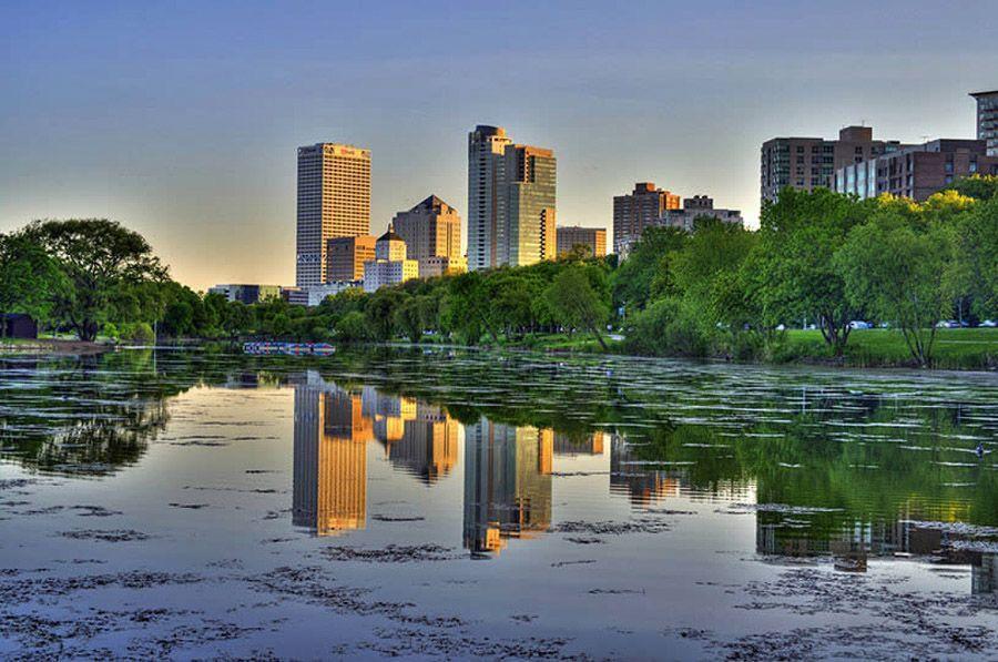 mirrored08 Урбанистическое Зазеркалье: Отражения мегаполисов