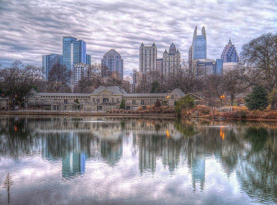 mirrored18 Урбанистическое Зазеркалье: Отражения мегаполисов