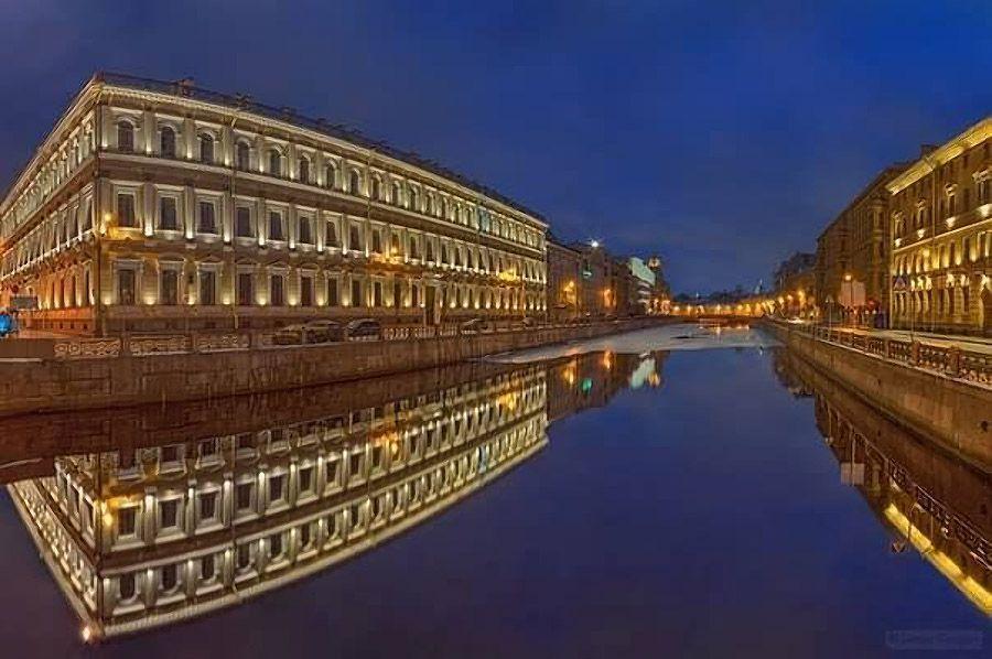 mirrored19 Урбанистическое Зазеркалье: Отражения мегаполисов