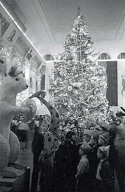 ussrnewyear14 Как готовились к Новому году в СССР