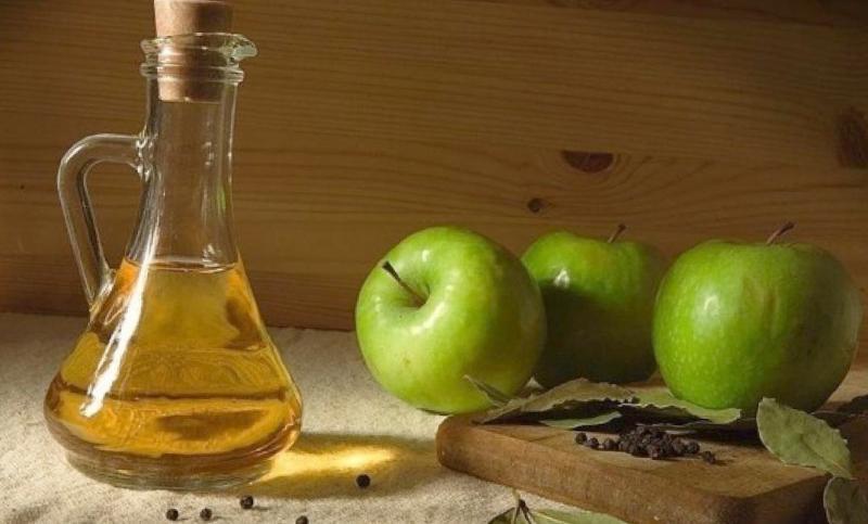 Яблочный уксус: состав, польза и вред, применение