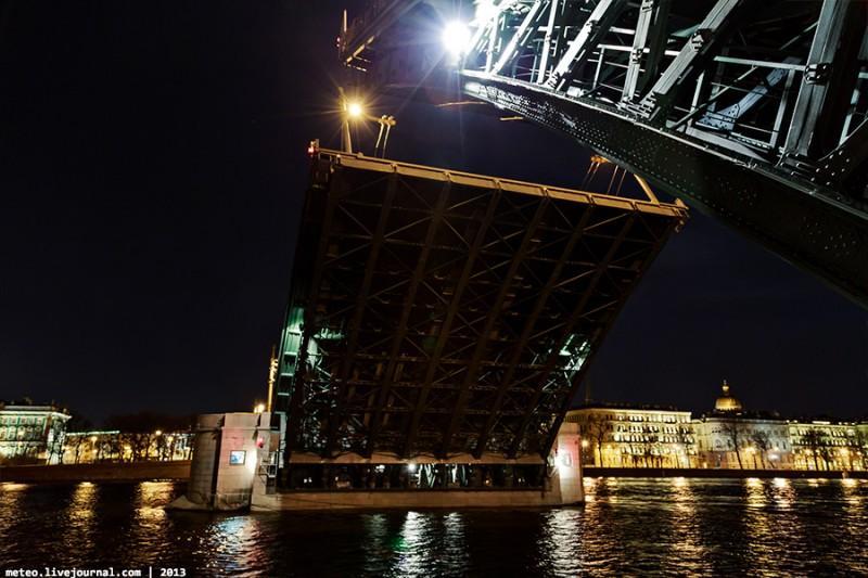 PalaceBridge57 800x533 Как устроен Дворцовый мост в Санкт Петербурге
