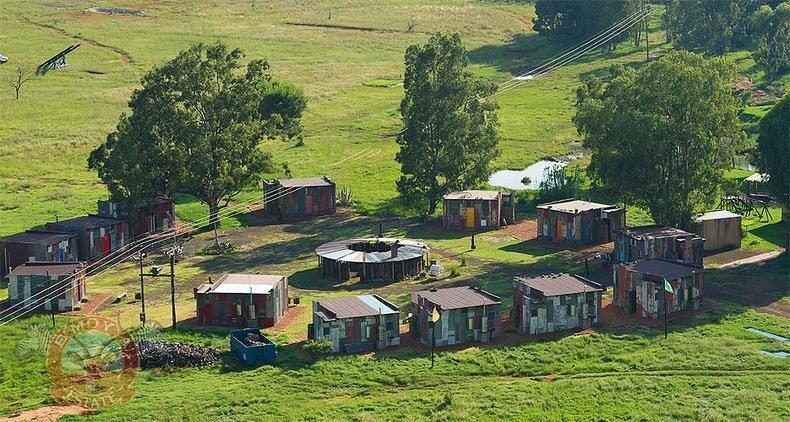 ShantyTown01 Курорт Трущобы для зажравшихся богачей