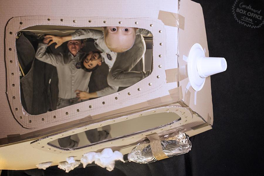 apollo133 Картонное кино: веселые родители воссоздают знаменитые фильмы