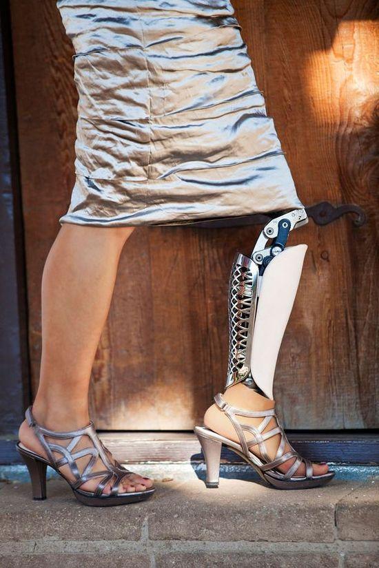 designedprosthetic16 Протезы тоже могут быть элегантными и стильными!