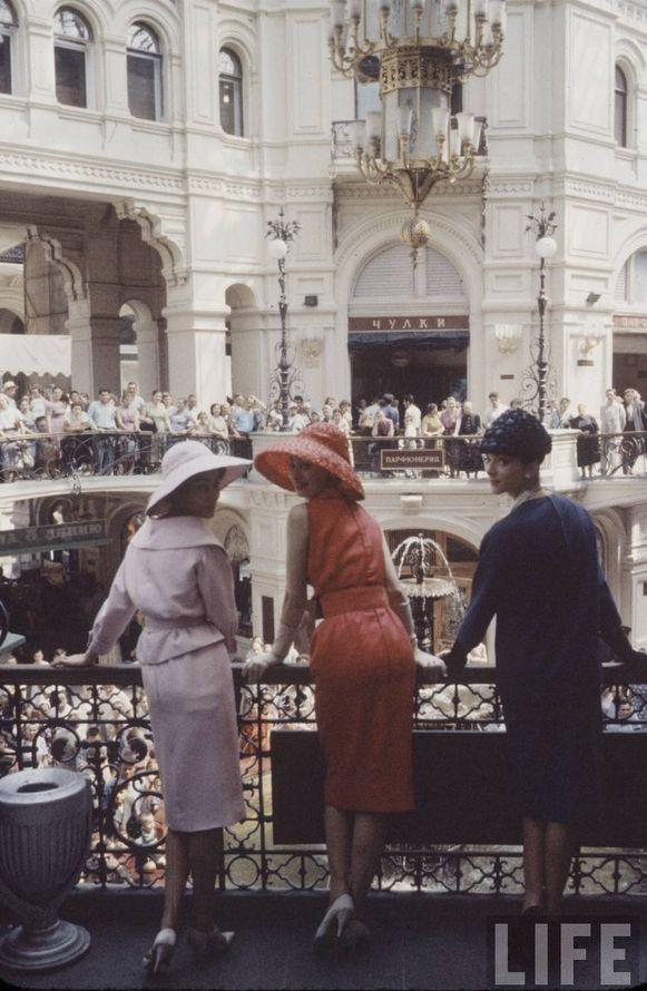 diorinmsk05 Кристиан Диор: Как прошел первый визит в Москву в 1959 году