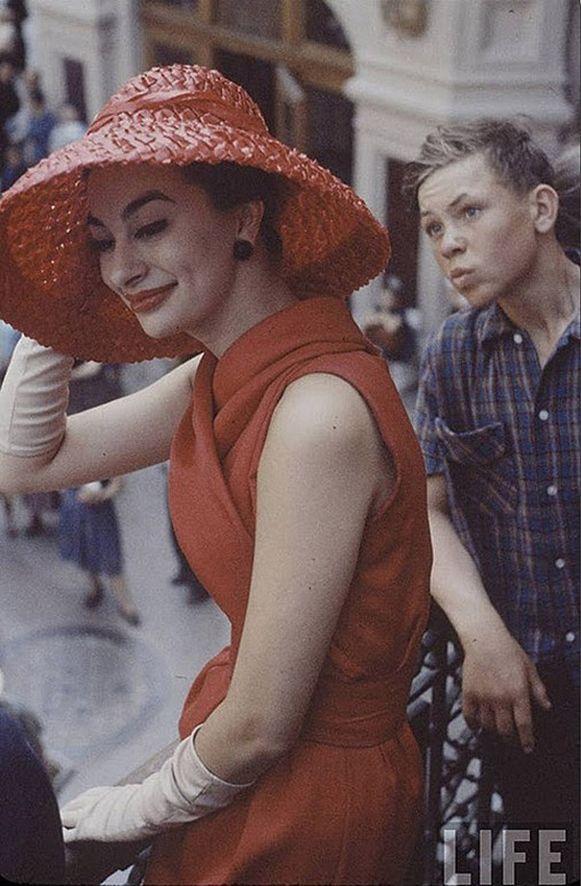 9f91f1d12ad1 Christian Dior  как прошел первый визит в Москву в 1959 году ...