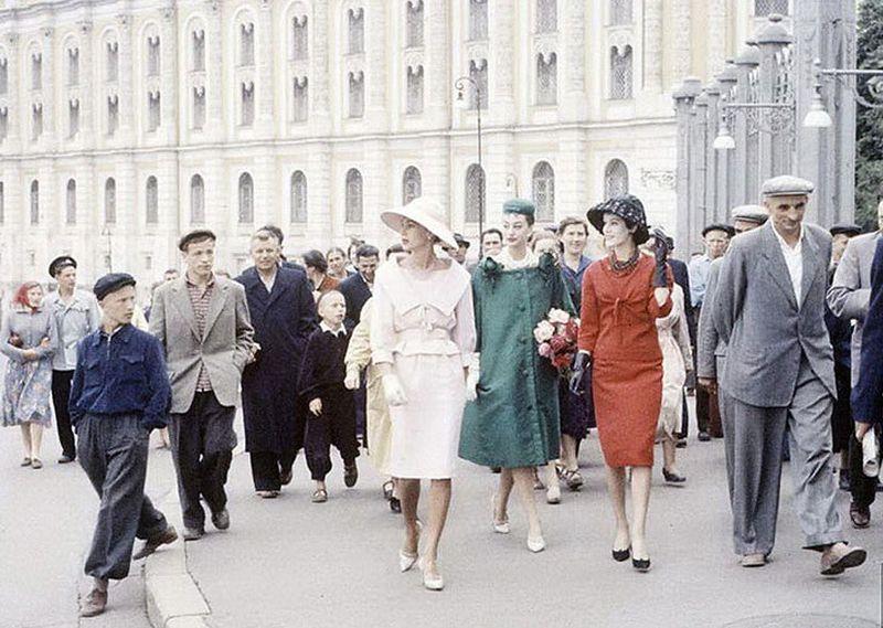 diorinmsk11 Кристиан Диор: Как прошел первый визит в Москву в 1959 году