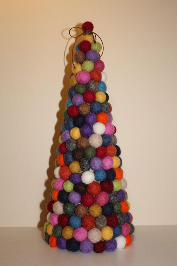 diyxmastrees10 Как сделать новогоднюю елку своими руками: несколько простых идей