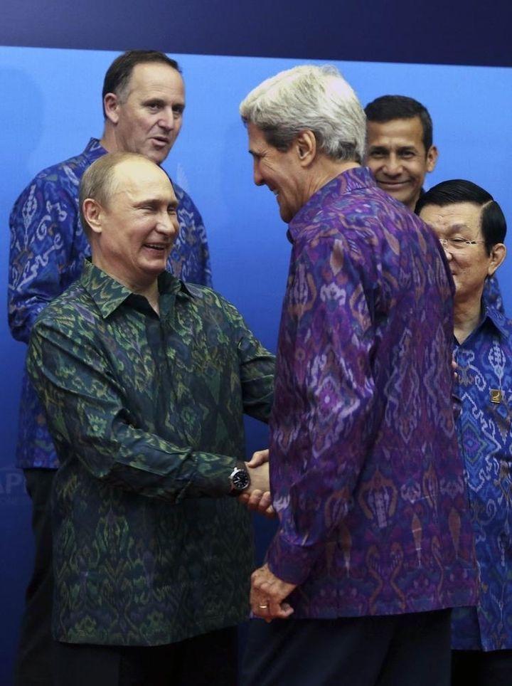 politphotobombs17 Лучшие политические «фотобомбы» 2013