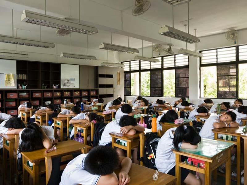 shkolnikiraznixstran 12 Как выглядят ученики и школьные классы в 15 странах мира