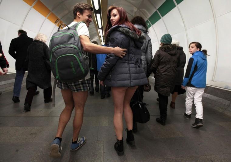 00013265 Без штанов и стыда: самый яркий флешмоб этой зимы