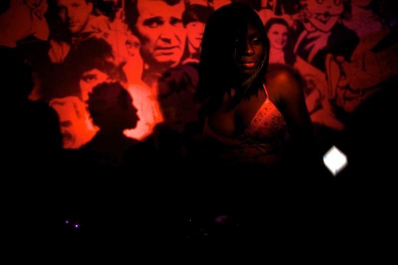VIP-гости закрытой вечеринки с участием звезд Нолливуда. (© Guy Calaf)