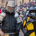 17 впечатляющих кадров вооруженных столкновений в Киеве