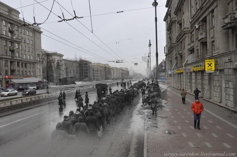 . Ленинград 1944 / Санкт-Петербург 2013. Колонна пленных гитлеровцев на Московском проспекте.