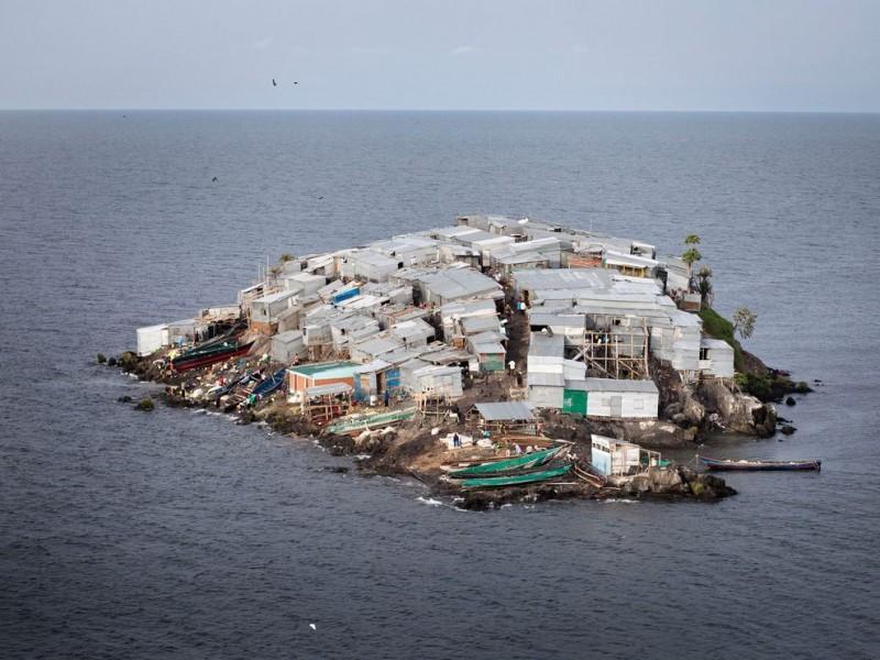 Мгинго — самый густонаселенный остров в мире фото
