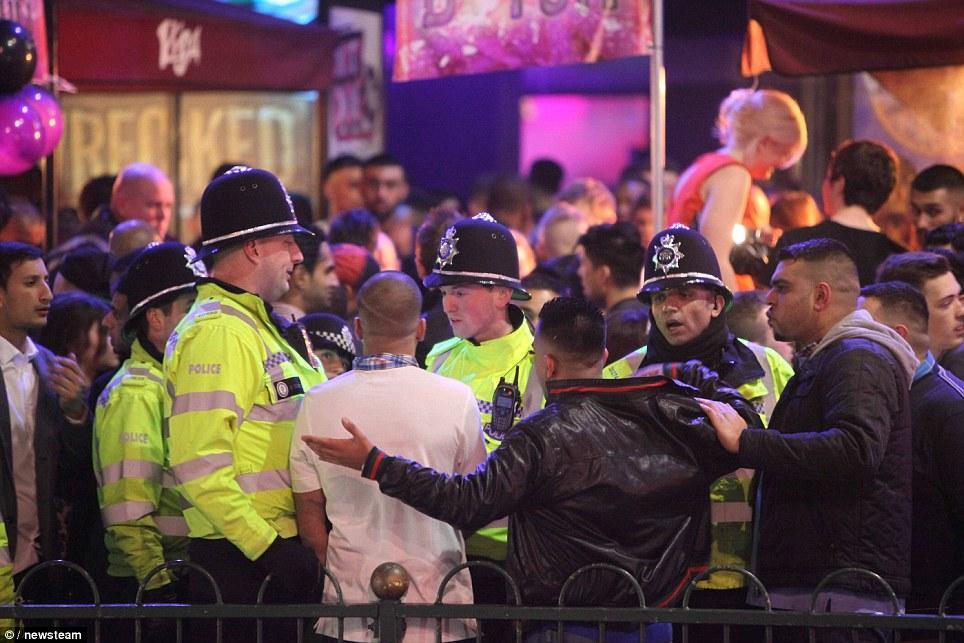article1 Их нравы: как чопорные британцы бухали в новогоднюю ночь