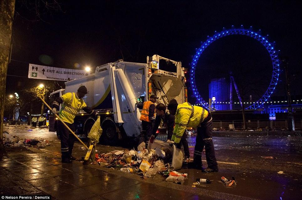 articleR Их нравы: как чопорные британцы бухали в новогоднюю ночь
