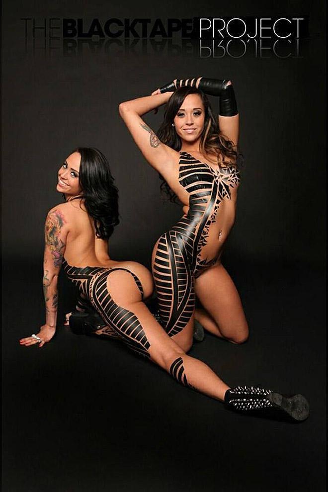 blacktapeproject28 Девушки в нарядах из черного скотча