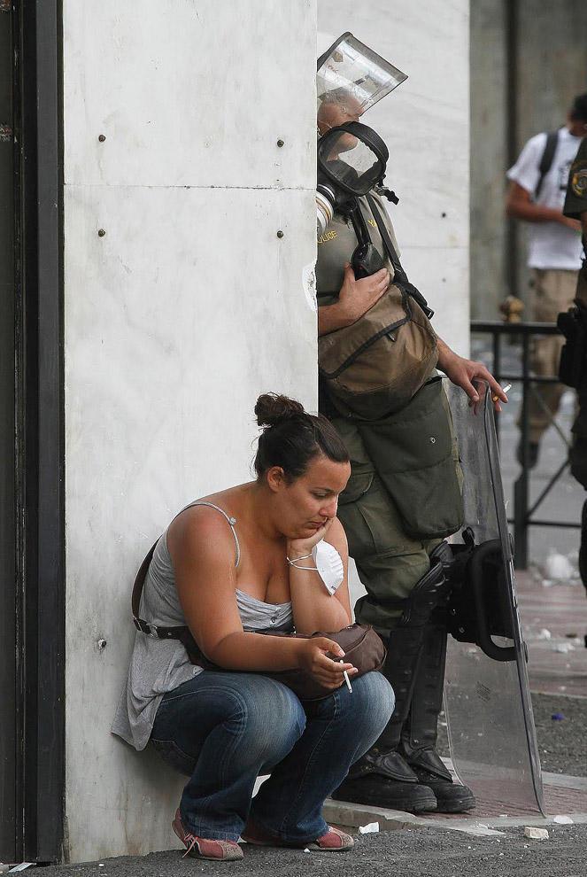 compassionoverviolence16 30 фотопримеров человеческого сострадания во время акций протеста
