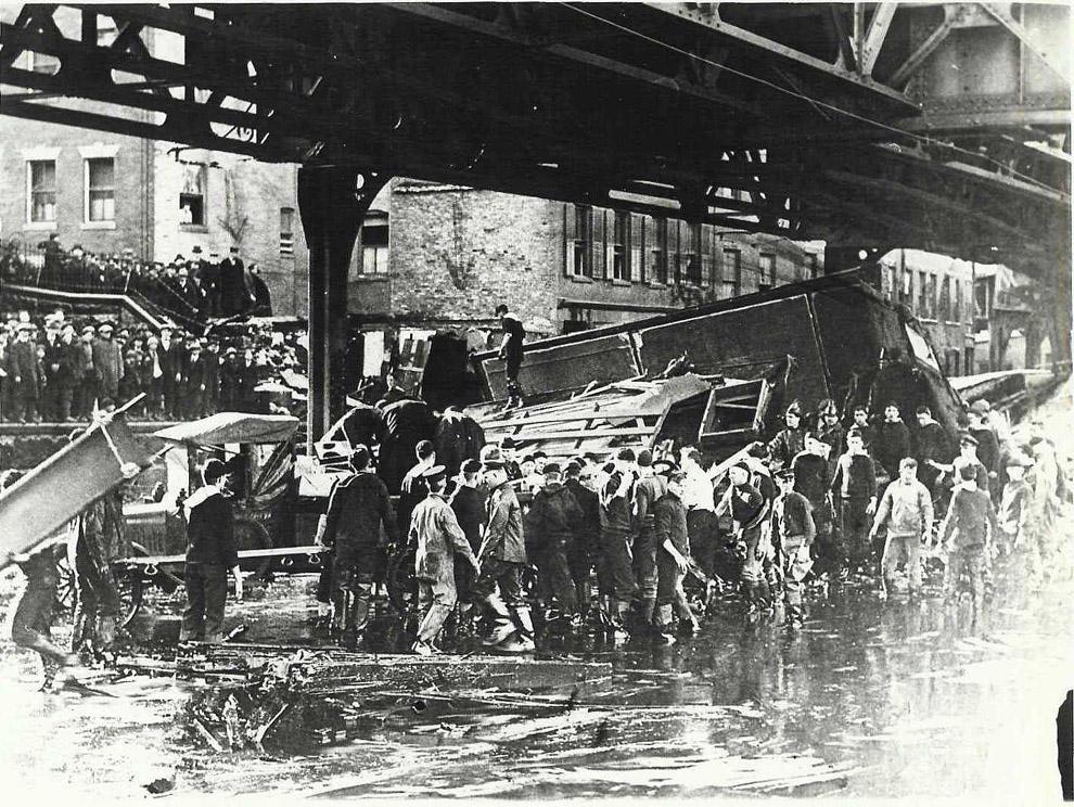 molasses06 10 впечатляющих фото сахарного потопа в Бостоне