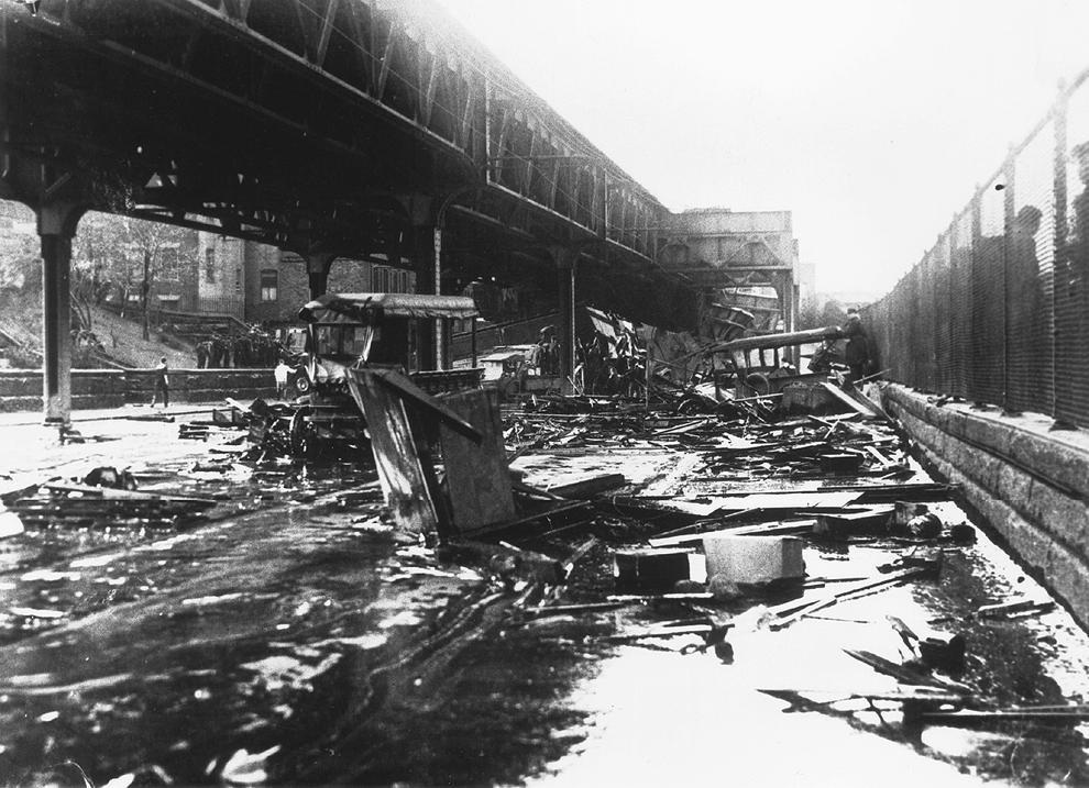 molasses07 10 впечатляющих фото сахарного потопа в Бостоне