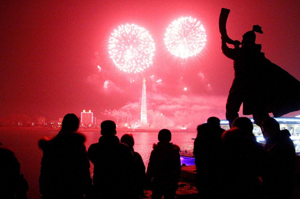 s n06 52367444 Салюты, пляжи и шампанское   как в мире встретили новый 2014 й год
