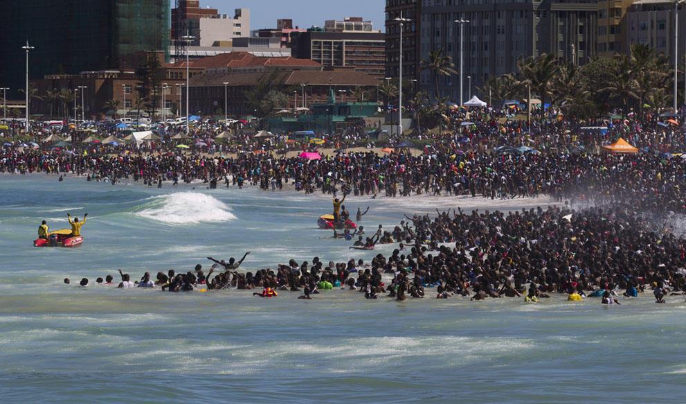 s n26 RTX16Z1P Салюты, пляжи и шампанское   как в мире встретили новый 2014 й год