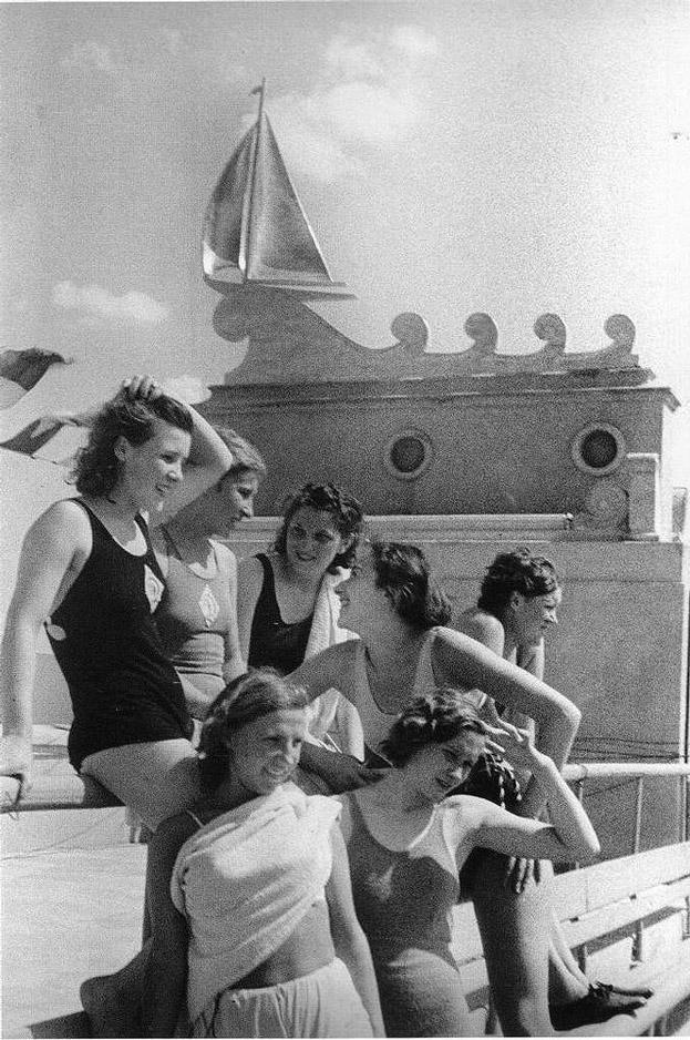 sovietgymnasts01 Спортсменки, комсомолки, красавицы 1930 х