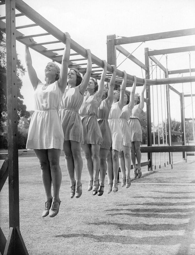 sovietgymnasts04 Спортсменки, комсомолки, красавицы 1930 х