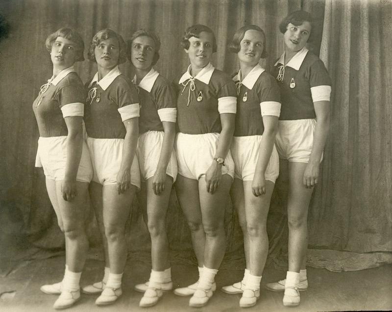 sovietgymnasts12 Спортсменки, комсомолки, красавицы 1930 х