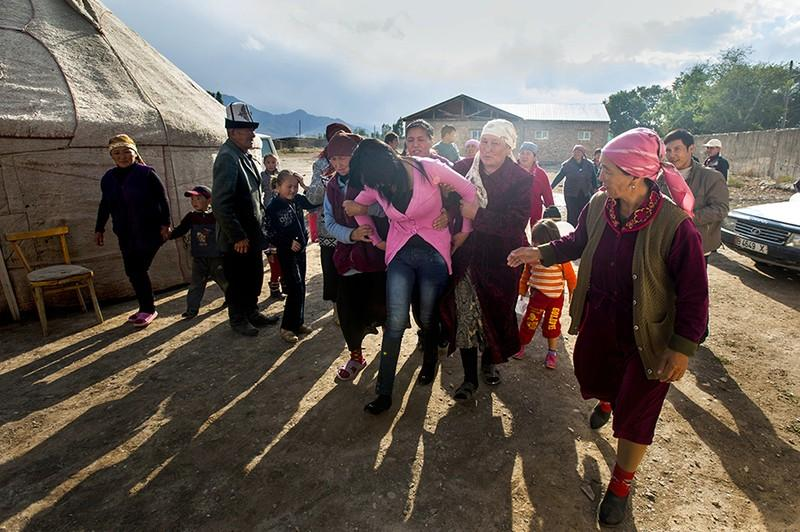 unholymatrimony17 Краденые невесты Кыргызстана