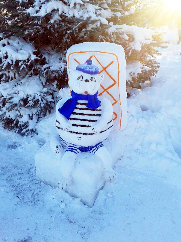 Кот Снежные скульптуры в исправительных колониях Украины