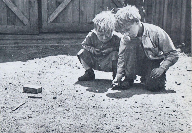 1343483872 11 Самые выразительные детские фотографии Эстер Бабли