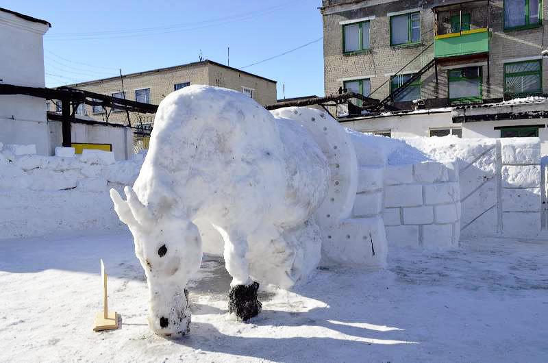 52fb47795b674 Снежные скульптуры в исправительных колониях Украины