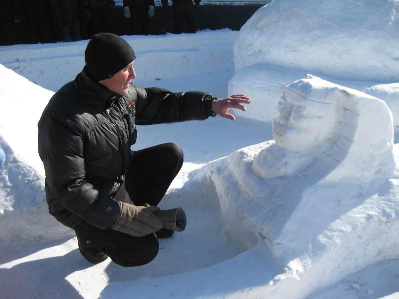 Снежные скульптуры в исправительных колониях Украины