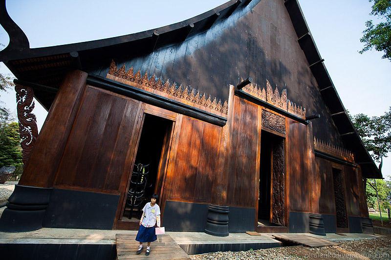 BaanSiDum01 Храм смерти. Черный дом Baan Si Dum. Северный Таиланд