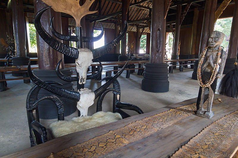 BaanSiDum02 Храм смерти. Черный дом Baan Si Dum. Северный Таиланд