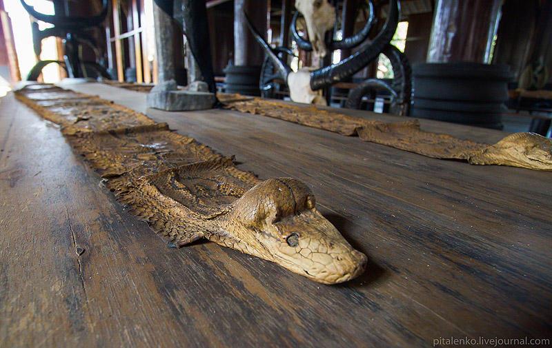 BaanSiDum04 Храм смерти. Черный дом Baan Si Dum. Северный Таиланд