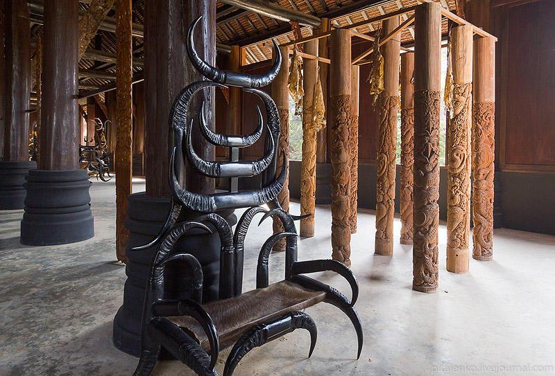 BaanSiDum05 Храм смерти. Черный дом Baan Si Dum. Северный Таиланд