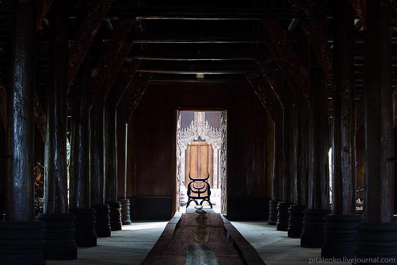 BaanSiDum07 Храм смерти. Черный дом Baan Si Dum. Северный Таиланд