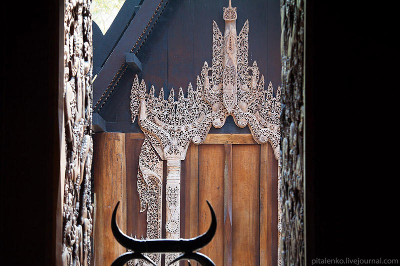 BaanSiDum08 Храм смерти. Черный дом Baan Si Dum. Северный Таиланд
