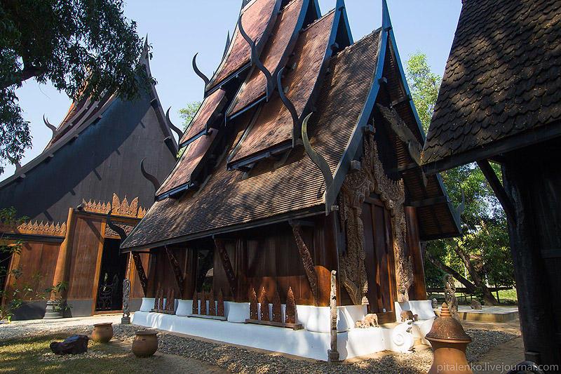 BaanSiDum12 Храм смерти. Черный дом Baan Si Dum. Северный Таиланд