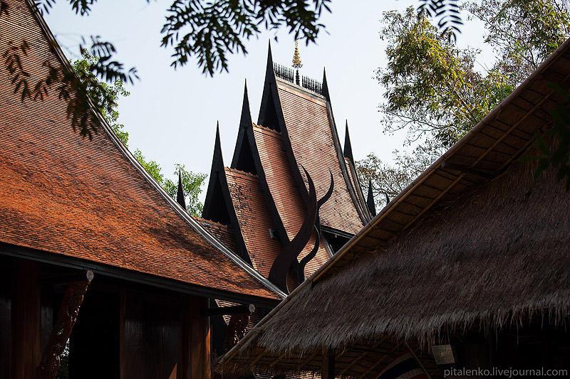 BaanSiDum19 Храм смерти. Черный дом Baan Si Dum. Северный Таиланд