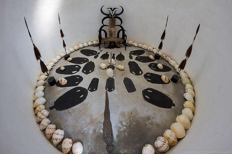 BaanSiDum23 Храм смерти. Черный дом Baan Si Dum. Северный Таиланд