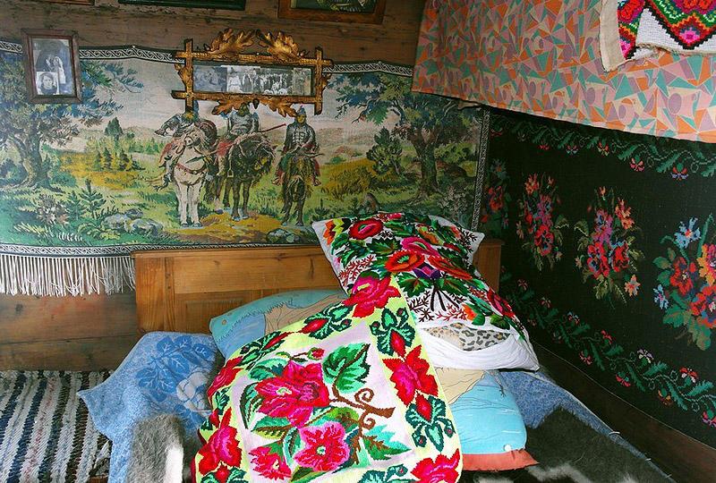 Hutsuls06 В гостях у гуцулов: усадьба украинских горцев