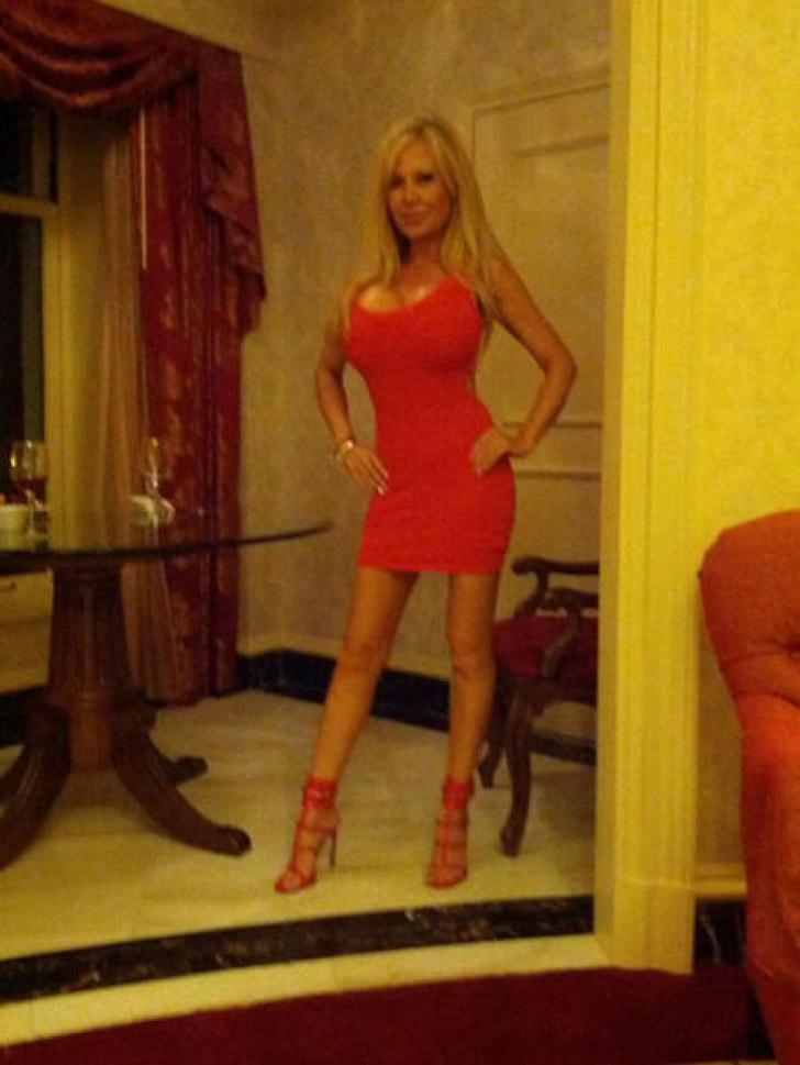 blondie15 38 летняя женщина превращает себя в куклу Барби